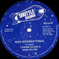 TYRONE EVANS & JOHN WAYNE-war international