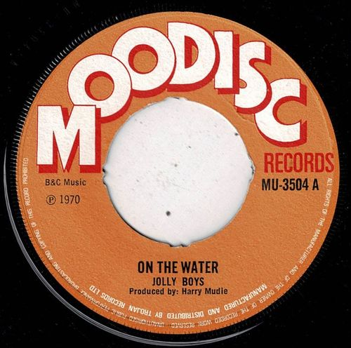 JOLLY BOYS-on the water